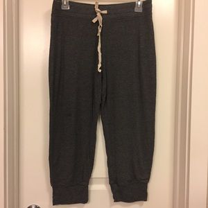 GAP SMALL GREY CAPRI JOGGER PANTS SZ S